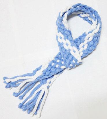 شال گردن طرح دار آبی و سفید بسیار شیک