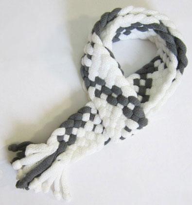شال گردن مدل جدید رنگ طوسی و سفید بسیار شیک